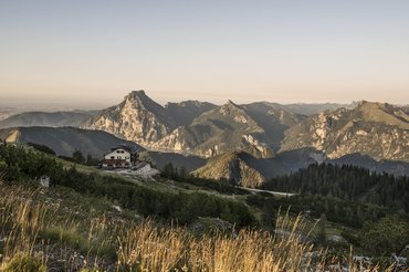Kranabethhütte am Feuerkogel mit Blick Richtung Traunsee