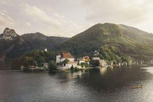 Halbinsel Traunkirchen mit Kloster