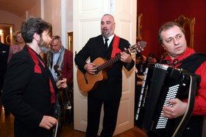 Russian Gentlemen Club zu Besuch in der Russenvilla