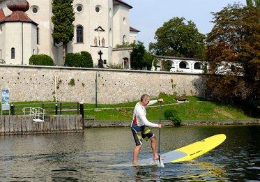 Stand up paddling, (c) Karl Heinz Ruber