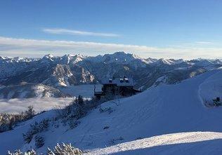 Blick von der Bergstation Feuerkogel zur Kranabethhütte
